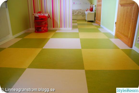 Golv Kok Rutigt : rutigt golv litet kok  Golv marmoleum click rutigt gront barnrum