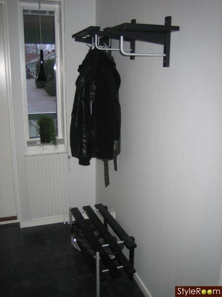 Moderna svarta hallmöbler från Mio Diskutera Köp& Sälj på StyleRoom