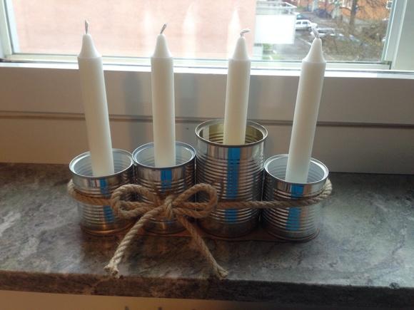 granris,byrå,ljusstakar glas,vitt,hampasnöre