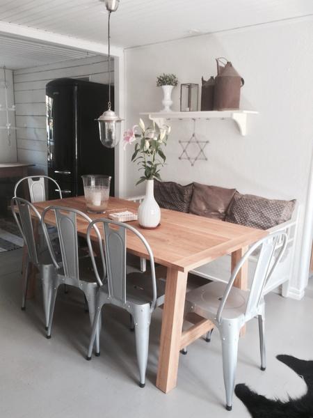 köksbord,kökssoffa vit,ekbord,industristil,stol
