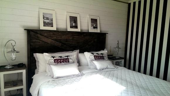 sänggavel,sovrum,kryss,new england,lampa