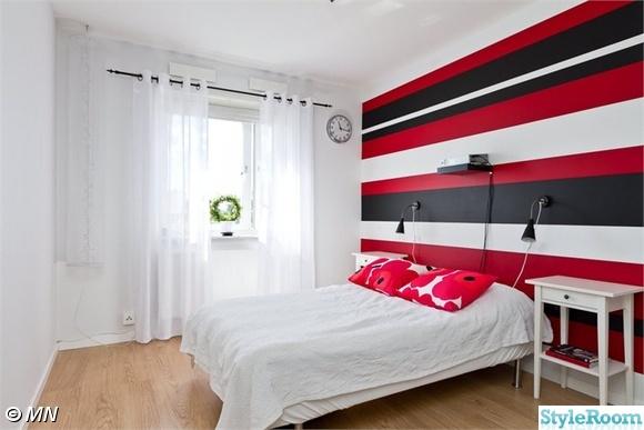 walk in closet,garderob,svart och vitt,rött,röd