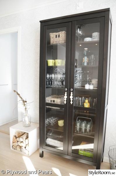 Vitrinskap Kok Ikea : Kuva svart vitrinskop  Hos oss Kok  Plywoodandpears