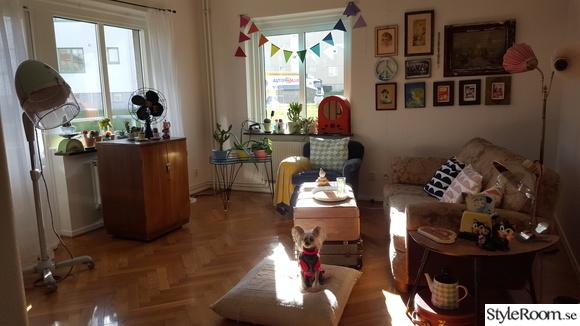 retro vardagsrum,prynadskuddar,littlephant,bohemiskt,tvskåp