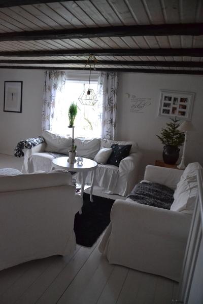 vita soffor,vit & svart,vardagsrum