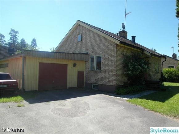 garage,huset,gult tegel