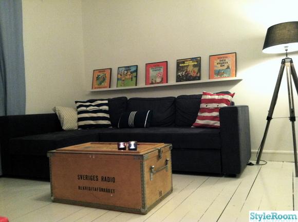 tavellist,lp-skivor,tintin,soffa,bäddsoffa