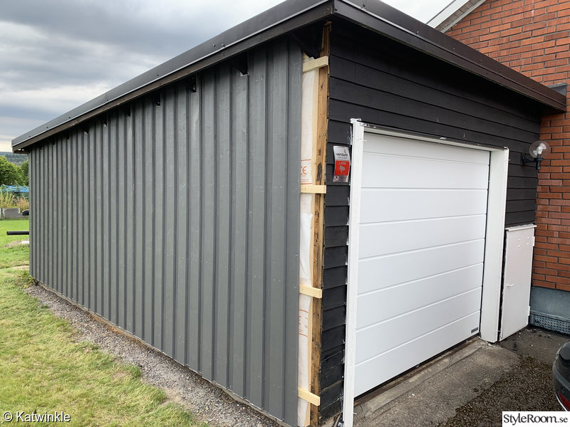 garage,under renovering,garageport