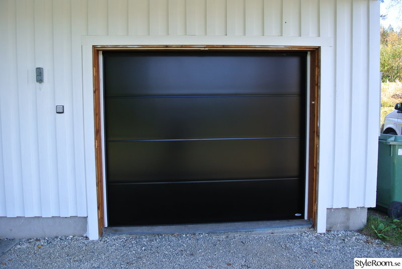 svart,garageport,vit panel