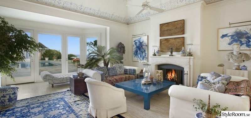 582821 the living room is stark white which is classic hamptons decor