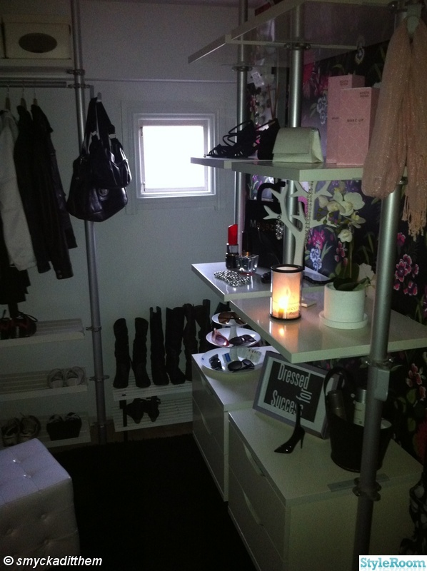 walk-in-closet,walk in closet,kosta boda,make up kosta boda,träd