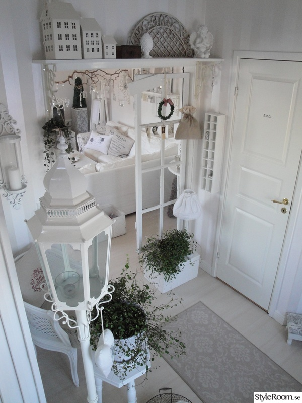shabby chic,hall,vitt