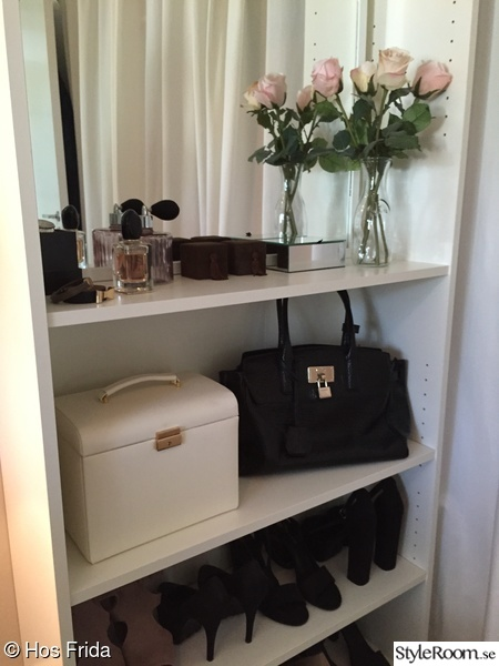 sovrum,hylla,billy,ikea,walk in closet
