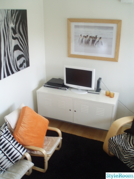 orange,svart,vitt,ikea,tv