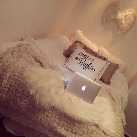 bed,säng,mys,mac,macbook